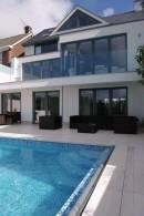 Modern House (2)